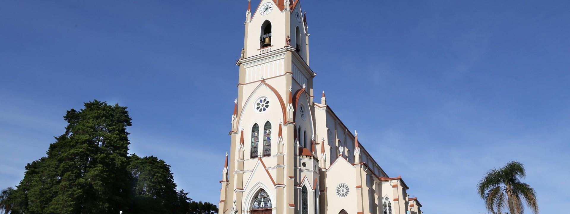 paroquia-sao-pedro-de-garibaldi-conclui-obra-de-restauro-da-igreja-matriz_10_3335.jpg