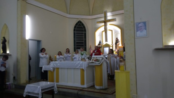 comunidade-do-bairro-alfandega-celebra-a-chegada-do-cristo-ressuscitado_10_873.jpg