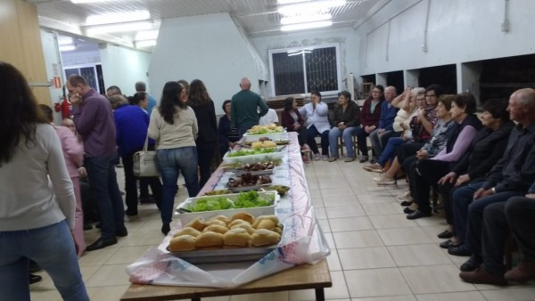 comunidade-do-bairro-alfandega-celebra-a-chegada-do-cristo-ressuscitado_10_881.jpg