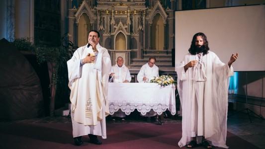 emocao-marca-a-celebracao-da-ressurreicao-de-cristo-na-matriz_10_892.jpg