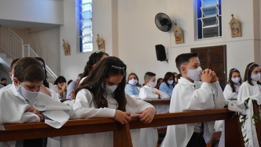 primeira-eucaristia-bairro-champagne-2020_10_3740.jpg