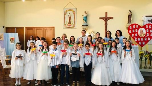 primeira-eucaristia-no-bairro-santa-teresinha_10_3126.jpg