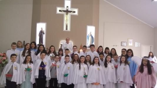 primeira-eucaristia-no-bairro-sao-francisco_10_2129.jpg