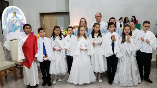 primeira-eucaristia-no-bairro-vale-verde_10_2067.jpg